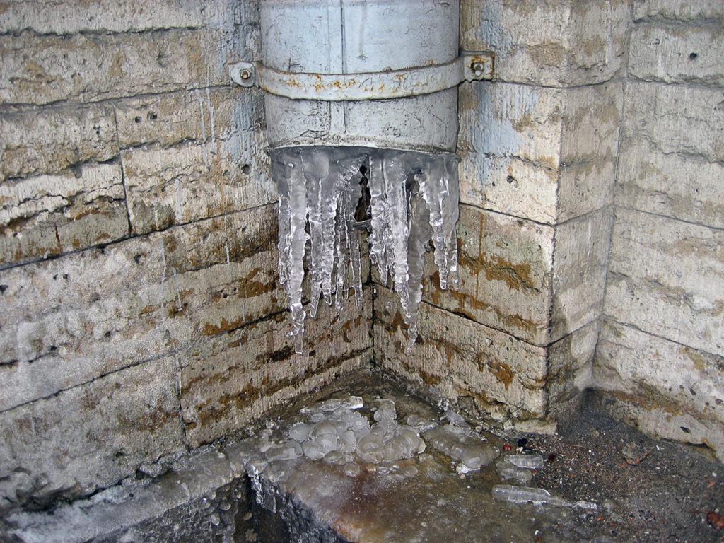 winter water damage, burst pipe